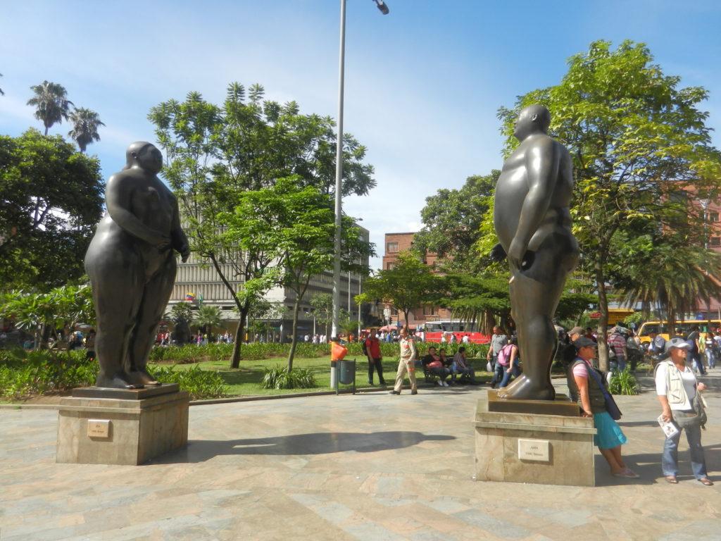 statues medellin