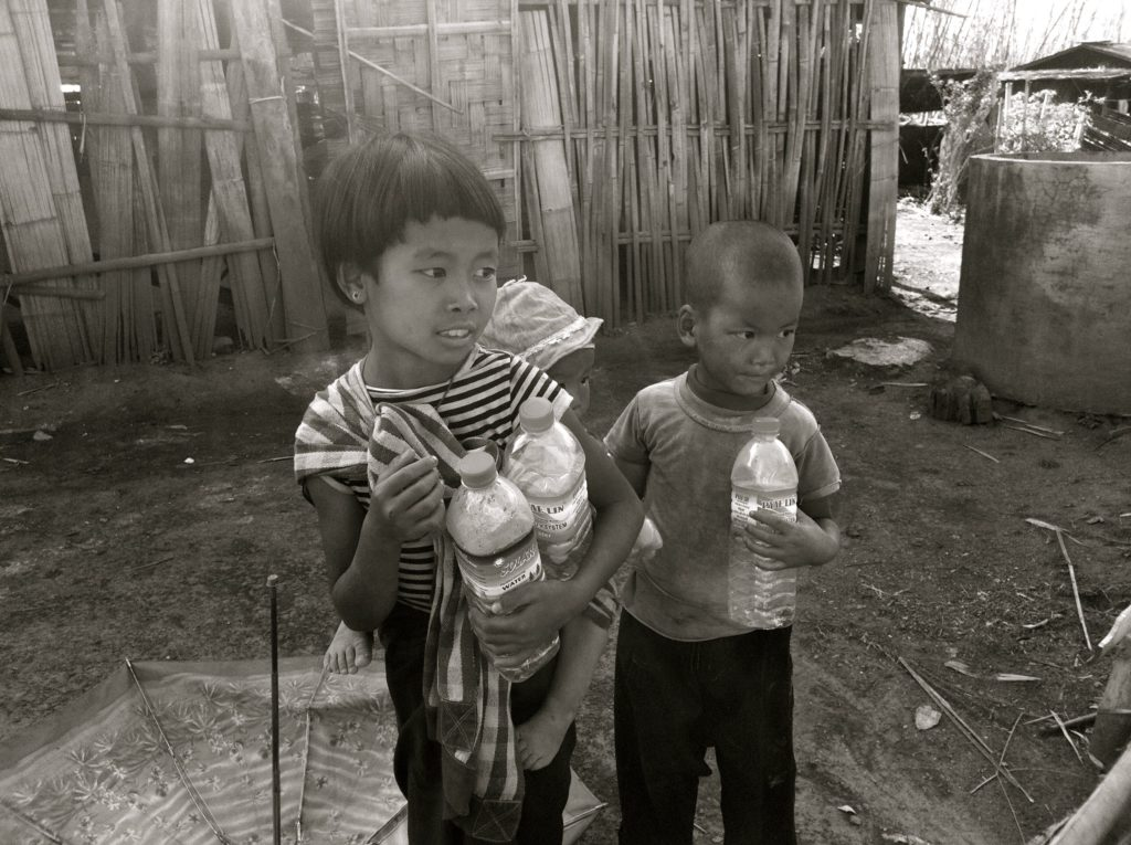 jeunes enfants birmans